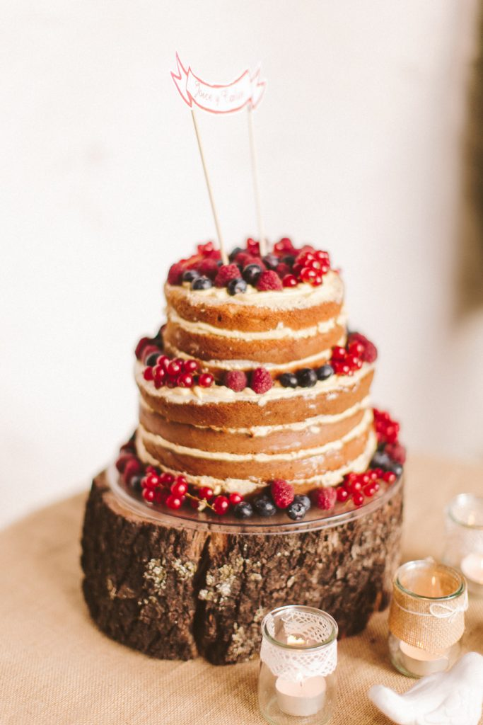 Naked cake frutas del bosque