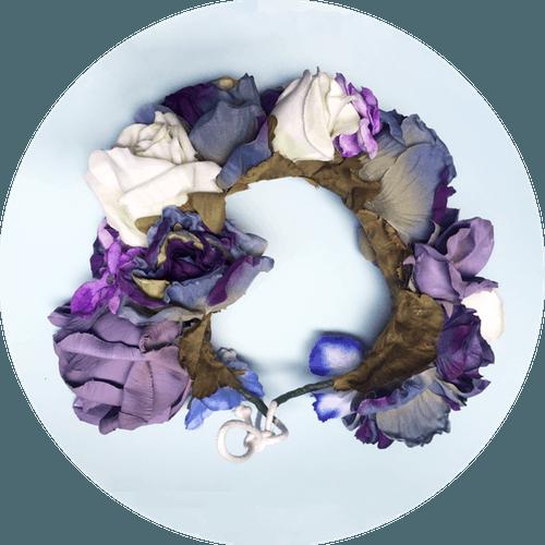 Tocado de novia Prune The Flowers tonos morados