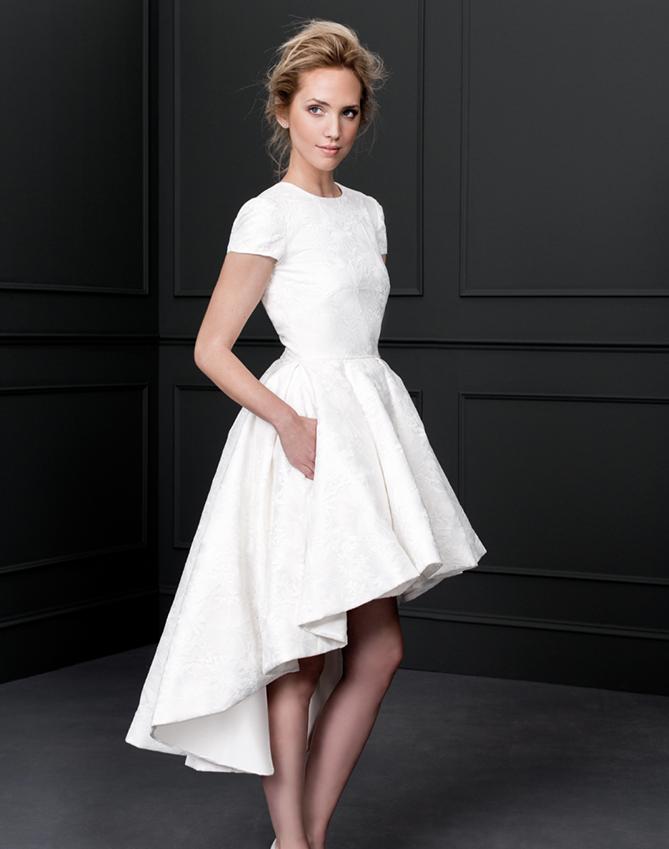 Los mejores vestidos de novia cortos 2017