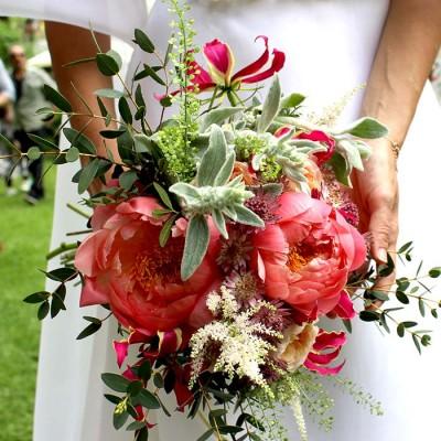 Ramos de flores para novias con peonías