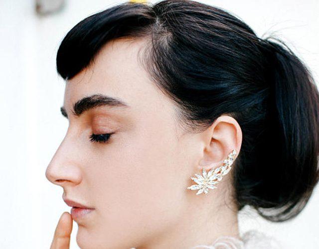 Los 'ear cuffs' también triunfan entre las novias